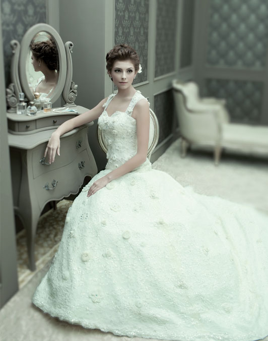 (+6221) 628 9348 - Wedding Package Glorious Best Gown Designer Ivory Bridal Collection White Timeless