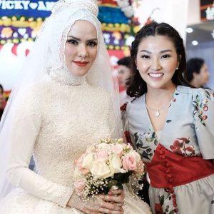 Gaun Pengantin Angel Elga hijab menikah Vicky Prasetyo